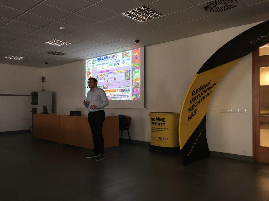 Pavel Tlapák a optimalizace konverzního poměru na kolínském barcampu 2019